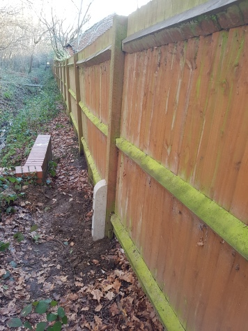 2 Spurs installed, the second had to go the other side of the boundary as this side drops straight down into the stream. ( 7posts down the line)